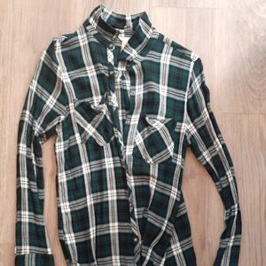 """Green and White """"Flannel"""" Shirt Checkered Women's"""